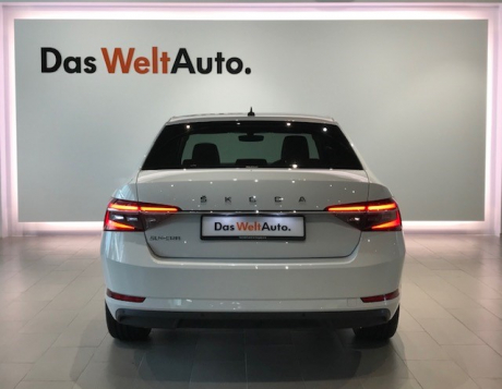 SKODA Superb 2.0 AMBITION