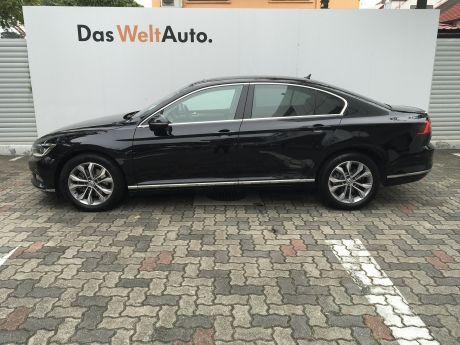VW Passat 1.8A TSI Highline